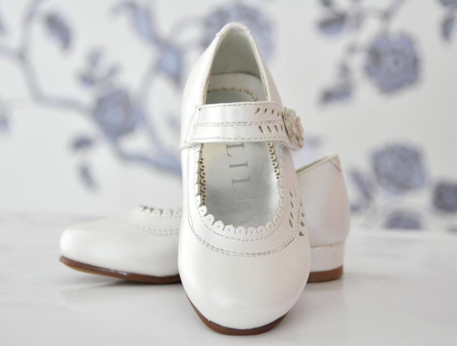 Girls Shoes (cream)