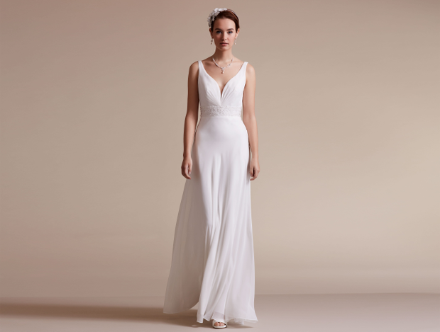 22b5d0f7 Purewhite by LILLY - stilrene og enkle brudekjoler