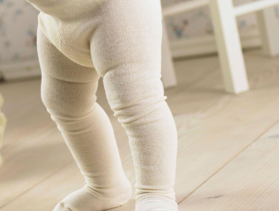 Cremefarvet baby strømpebuks