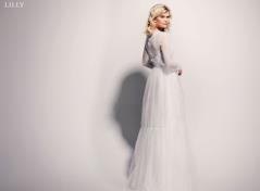 Blonde brudekjole med lange ærmer