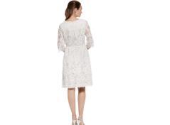 Spets klännng