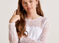 Konfirmationskjole med blondeærmer
