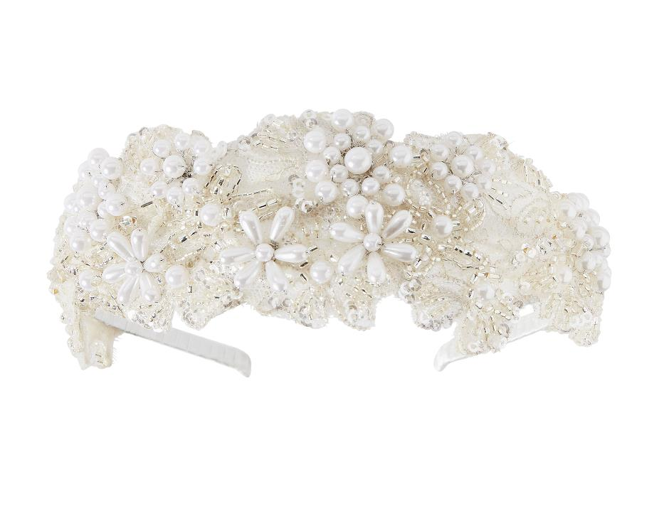 Tiara covered with pearls and sequins
