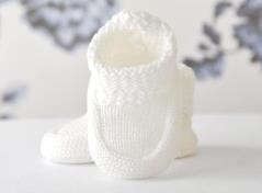 Knitted baby boots (ivory)