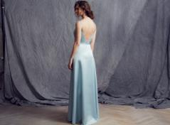 Ljusblå satäng klänning
