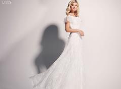 Brudklänning med Carmen-ringning