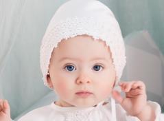 Christeninggown and bonnet (cream)