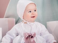 Christeninggown and bonnet (white)